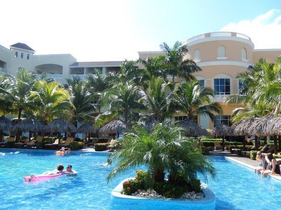 Iberostar Grand Hotel Rose Hall: on pool deck