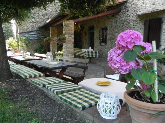 Villa Le Torri: Free home made welcome buffet on Saturday.