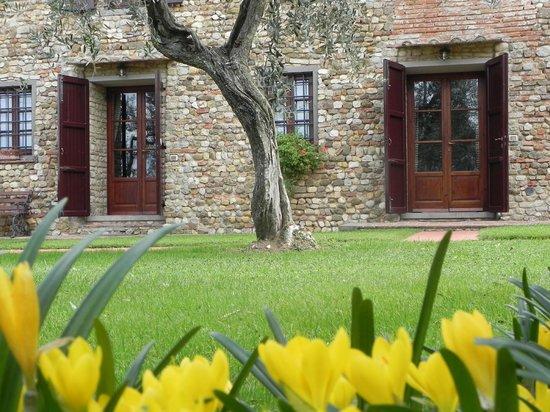 Villa Le Torri: Enatrance apartment graoundfloor