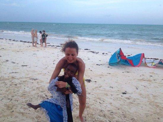 Jambiani White Sands Bungalows : пляж