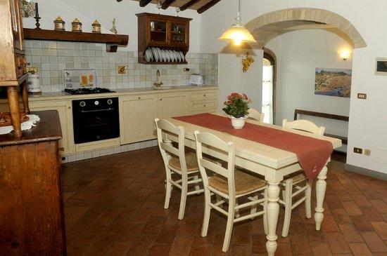Villa Le Torri: Kitchen