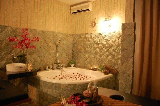 Eska Wellness Spa Massage and Salon: spa room
