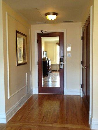 The Fairmont Empress : Superior Suite Entry Way