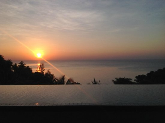 Ayara Kamala Resort & Spa: Sunset from your private pool...WOW