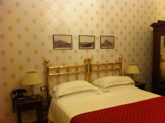 Hotel Pendini: Quarto