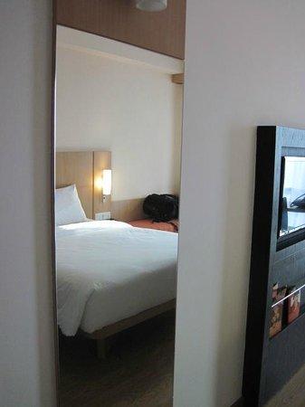 Ibis Bandung Trans Studio : Bedroom