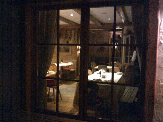 Chalet Fogajard: la sala dall'esterno