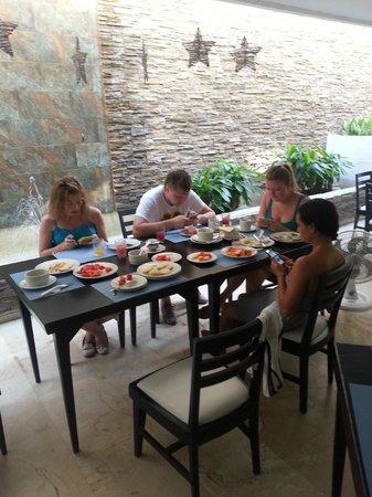 Playa Club Hotel : Завтрак