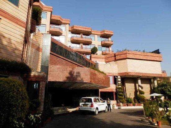 Jaipur Palace Hotel: Фасад
