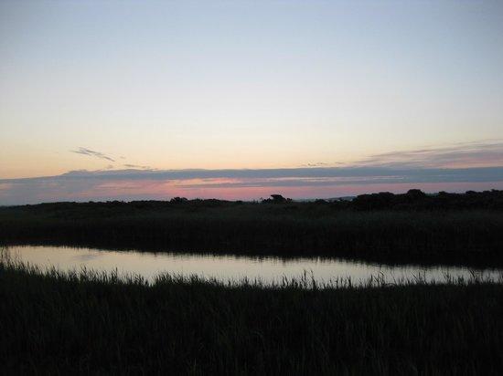 Humlum Fiskerleje & Camping: Solopgang v/pladsen