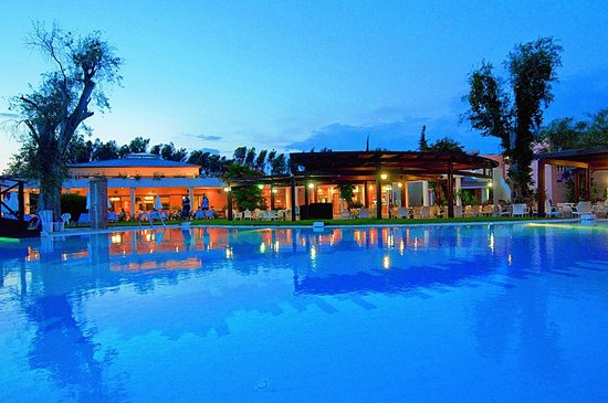 SENTIDO Apollo Palace : Hotel and pool view