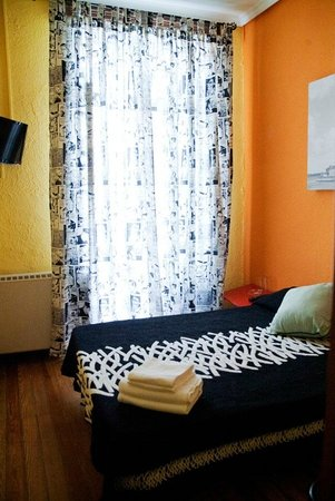 12 Rooms: Habitacion doble cama matrimonial