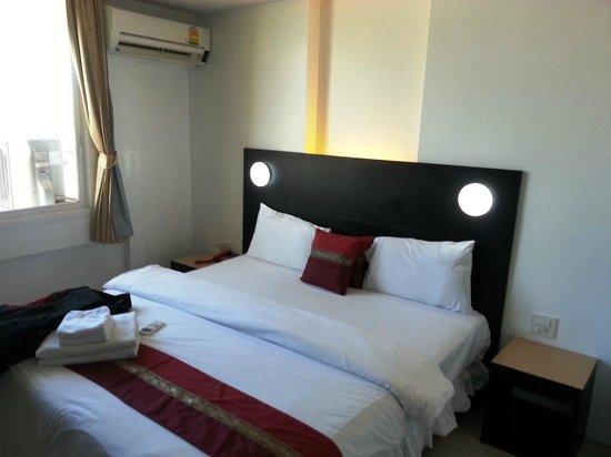 Modern Thai Hotel: Room