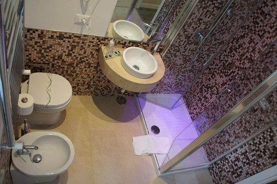 Hotel Navona: bagno cromoterapia