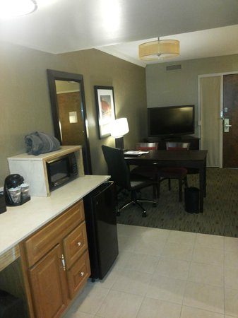 Embassy Suites by Hilton Columbus: Sitting room