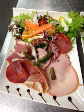 La braserade calais: Assiette de Charcuterie