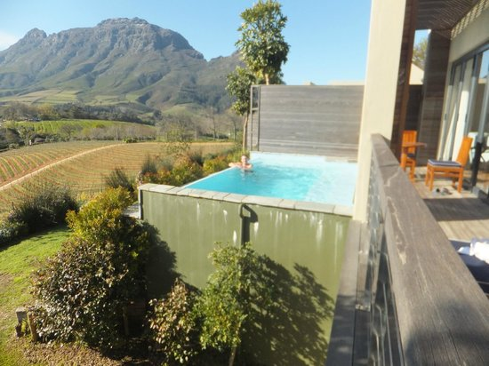 Delaire Graff Estate - Lodges and Spa: directly outside the rooms the own pool