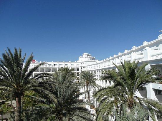 Hotel Riu Palace Maspalomas : Hotel Grounds View