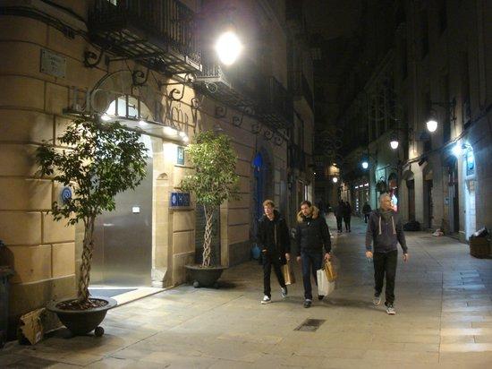 H10 Raco del Pi: пешеходная зона в центре города