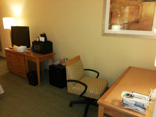 Doubletree Hotel Columbus Worthington: Desk