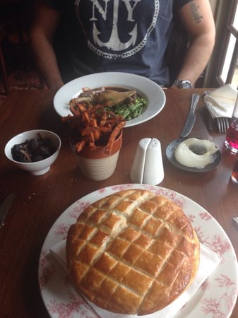 Wellington Hotel Restaurant: My enormous beef pie! Please try the sweet potato fries! They are the best!