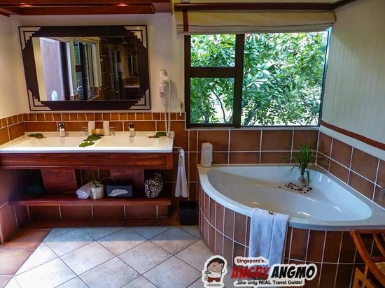 Idube Game Reserve Lodge : Bathroom Makubela Suite 1