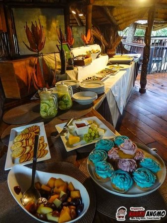 Idube Game Reserve Lodge: Lunch Buffet