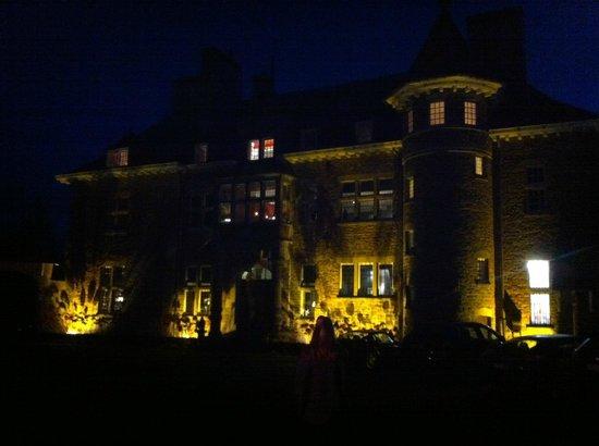 Manoir de Lebioles : Evening view of the manoir