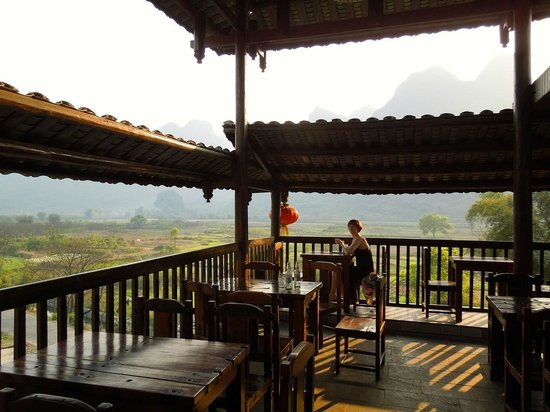 Yangshuo Tea Cozy: The balcony bar