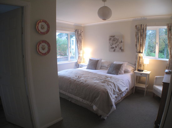 Bridge House Bed and Breakfast: Comfy double rooms