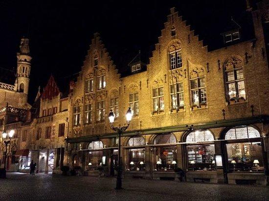 Plaza Burg: Burg