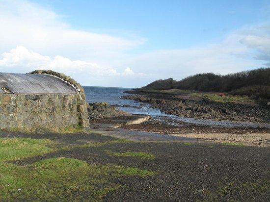 Bridge House Bed and Breakfast: The wonderful coastal path is on the doorstep