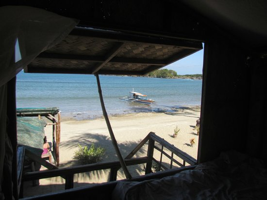 Bamboo Paraiso: The view from our window in the beach hut
