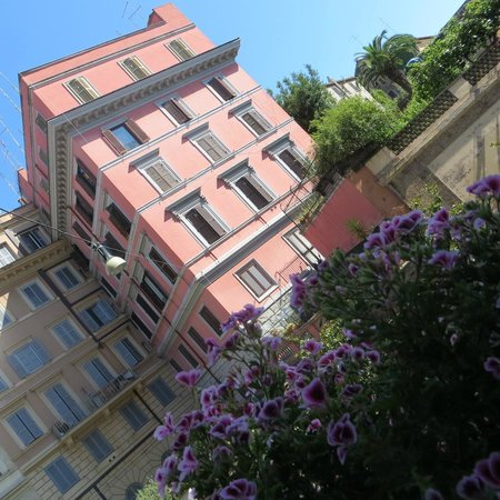 Inn Urbe Colosseo: The view from our window.