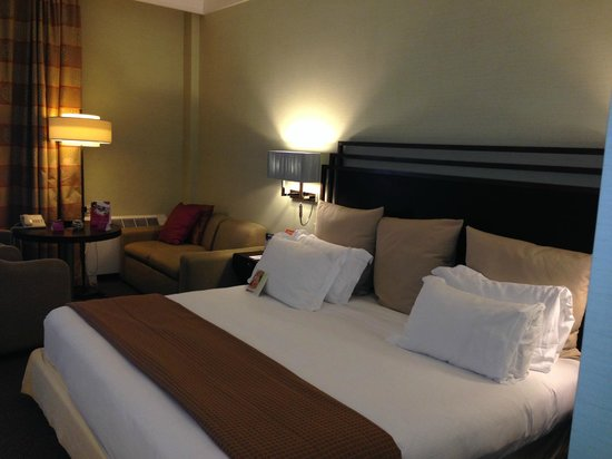 Crowne Plaza Rome - St. Peter's: Comfy  Bed