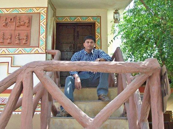 Chokhi Dhani Resort : Entry to room