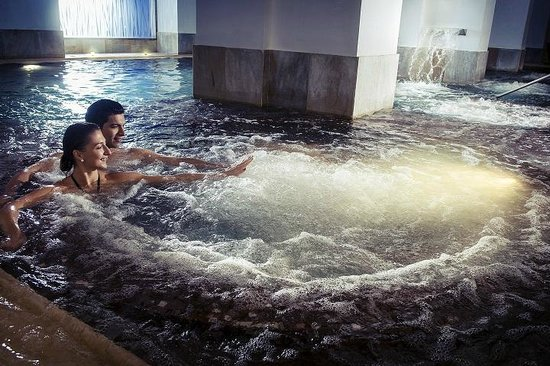 Immerse in the steam bath picture of boscolo prague spa for Best spa in prague