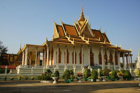 Silver Pagoda: Srebrna Pagoda w całej okazałości