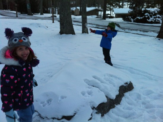 Woodloch Pines Resort: First time snow!!!!!!!