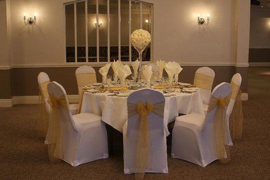Best Western Consort Hotel: Wedding Table