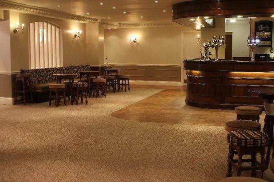 Best Western Consort Hotel: Consort Suite Bar