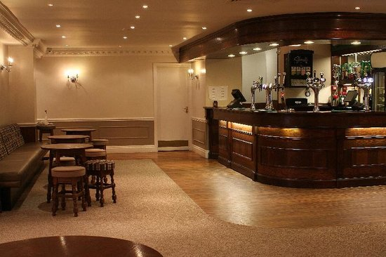 Best Western Consort Hotel: Bar area
