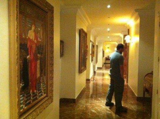Hotel Alameda Palace: Pasillos