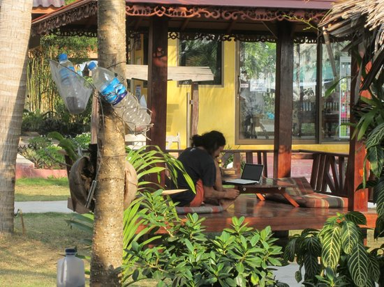 Lanta Pearl Beach Resort: Reception