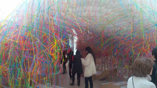Royal Academy of Arts: Plastic straw tunnel