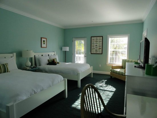 Tranquility Bay Beach House Resort: Our 'new' room. Sweet!