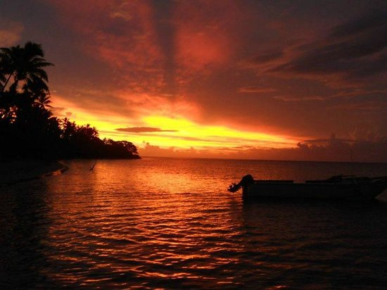 Robinson Crusoe Island Resort: One of the many sunsets