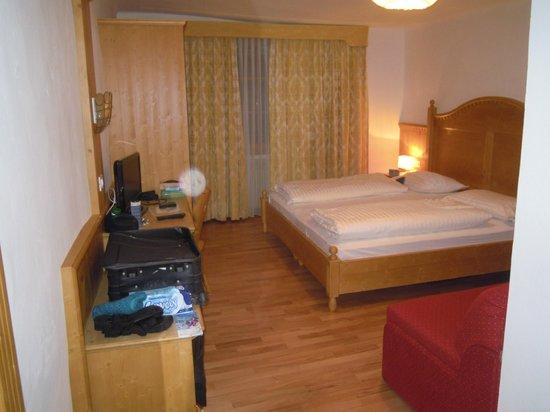 Parkhotel Post : Zimmer mit Safe und Flat TV und W-LAN