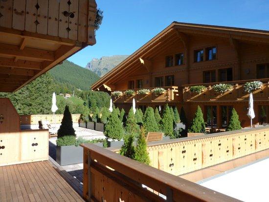 Aspen Alpin Lifestyle Hotel Grindelwald: Vue depuis la terrasse de la chambre