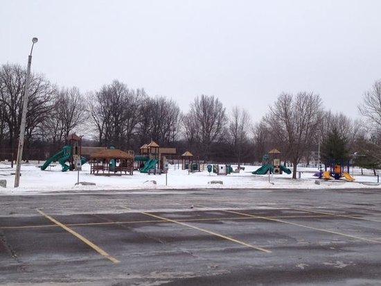 Veterans Memorial Park: Playground area in park